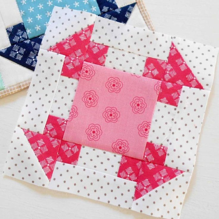 The block from my Patchwork Corners mug rug looks perfect for a sampler quilt don't you think?