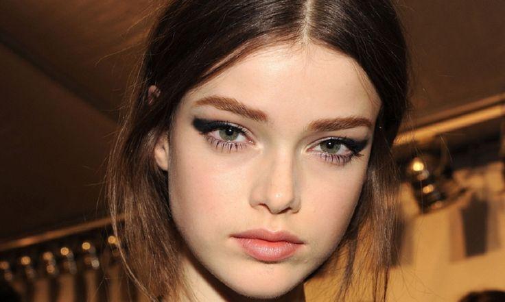 Kusursuz Dumanlı Göz Makyajı Nasıl Yapılır?