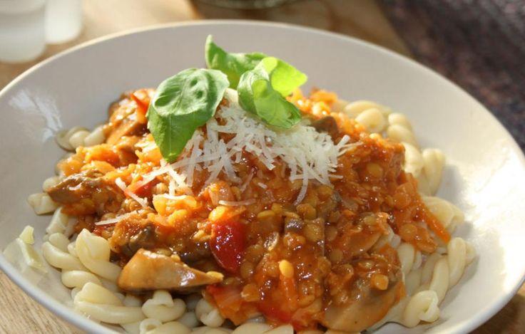 vegetarisk pastasås på linser