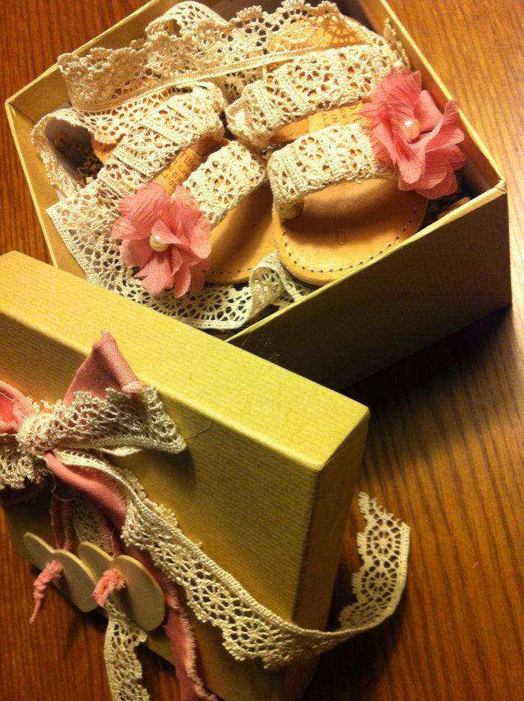 #sandals #handmade #customade #lace #roses #pearls #Ivory #peachpink #littlelady #littleprincess #style