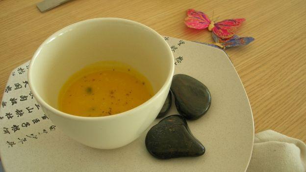 Come curarsi con i benefici del tè verde