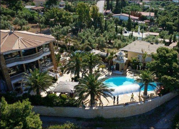 Вилла является прекрасным местом для семейного отдыха, а так же для отдыха группы друзей,которые хотят насладиться отдыхом в стиле VIP.
