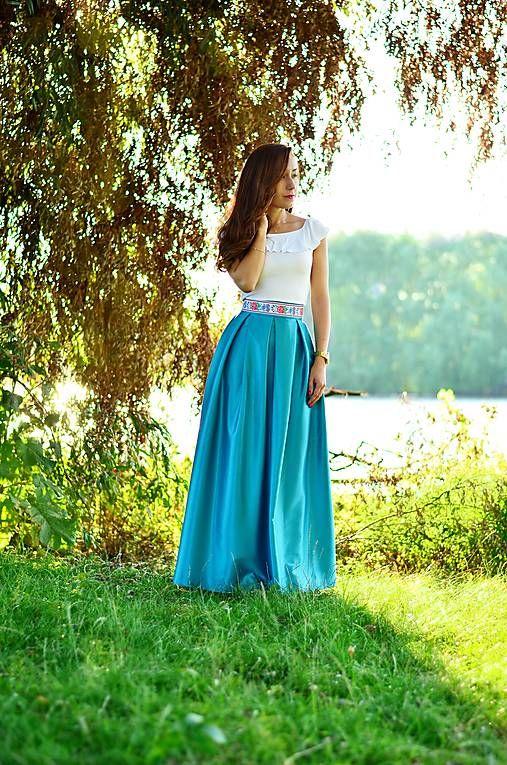Folklórna MAXI suknička   Lussika  89b0b996a4c