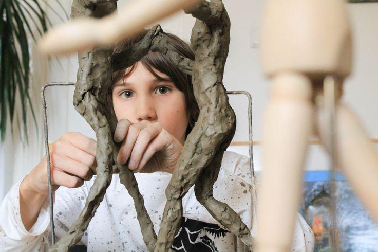 Atelier de arta cu Albert si personajele lui fantastice la Atelierul de modelaj in lut, modulul 2. Curs de baza in figura umana - coordonat de sculptorita Bianca Mann. .  Pentru detalii: 0736 913 866 office@mara-study.ro www.mara-study.ro