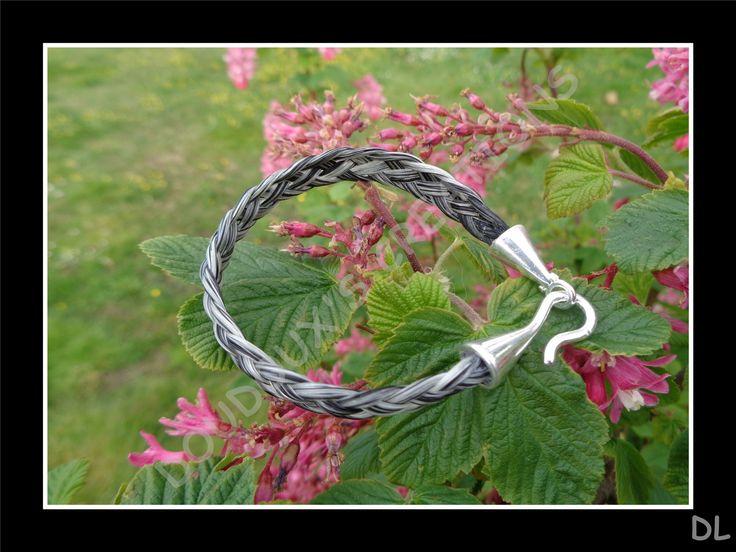 Bracelet en véritables crins de cheval tressé à plat 5 brins, fermoir plaqué argent : Bracelet par doudoux-crins