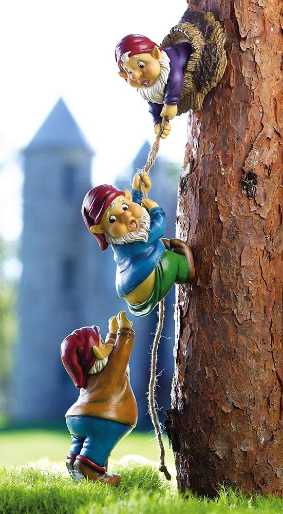 Climbing Gnomes Tree Decor. I want cute little details like this you don't see at first.