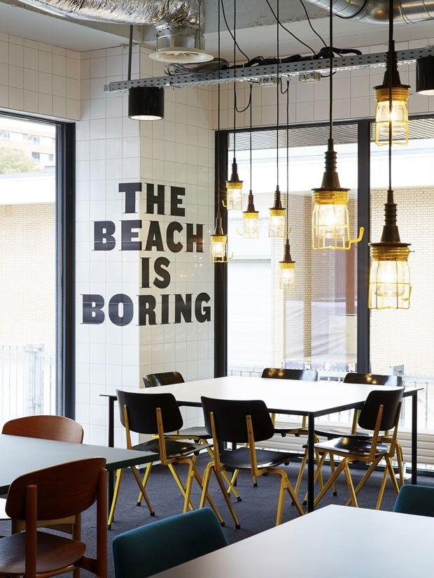 O sonho de qualquer estudante Hotel em Amsterdam é dormitório de luxo _ lights + i quite like the beach