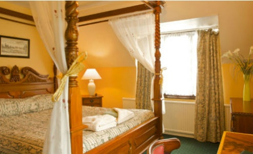 £99 for a 2-night stay for two people with breakfast & a bottle of wine when you dine. Offer ends 4/02/2013