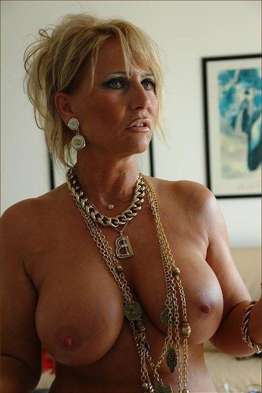 Lady Barbara Sexy Pics 120