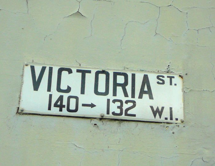 http://wiki.prov.vic.gov.au/images/0/0b/Street_sign.jpg Street Sign from side of Vincent Liem Centre cnr Victoria St & Mt Alexander Rd Photo by R Stockfeld 2012