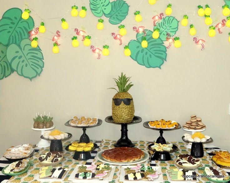 Cupcake: Party like a pineapple!