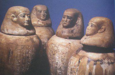 L'ÉGYPTOLOGIE TCHÈQUE : III. LES FOUILLES D' ABOUSIR DURANT LA DERNIÈRE DÉCENNIE DU XXème SIÈCLE - 16. LE MATÉRIEL FUNÉRAIRE D' IUFAA : 2. LES VASES CANOPES