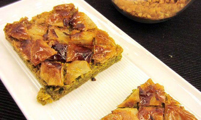 baklava pastel árabe a base de frutos secos, pasta filo y almibar