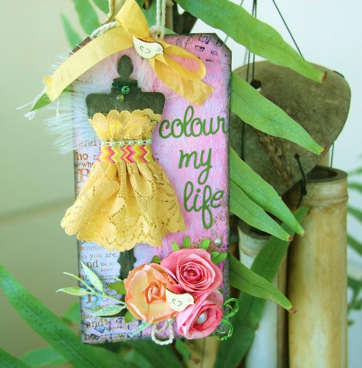 pink hand-made flowers.    http://zeffysblog.blogspot.gr/2013/04/a-little-colour-to-cheer-me-up.html