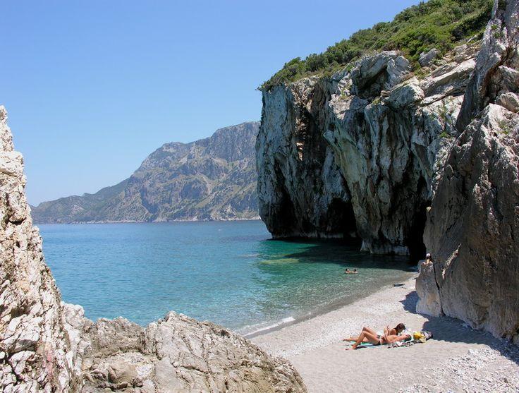 Ένας παράδεισος δίπλα στην Αττική: Οι 12 μαγευτικές παραλίες της Εύβοιας - Ταξίδι - Athens Magazine
