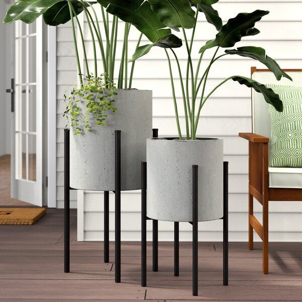 Meet Your Plant Babies New Home This Two Piece Set Of Planter Pots Each One Is Crafted From Metal With F In 2020 Metal Wall Planters House Plants Decor Planter Pots