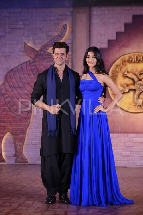 Good-Looking Duo Hrithik & Pooja Make Heads Turn At Mohenjo Daro's Event…