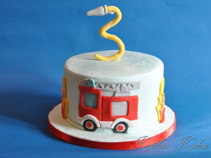 cute firefighter cake #firefightercake  kaetheskekse.de