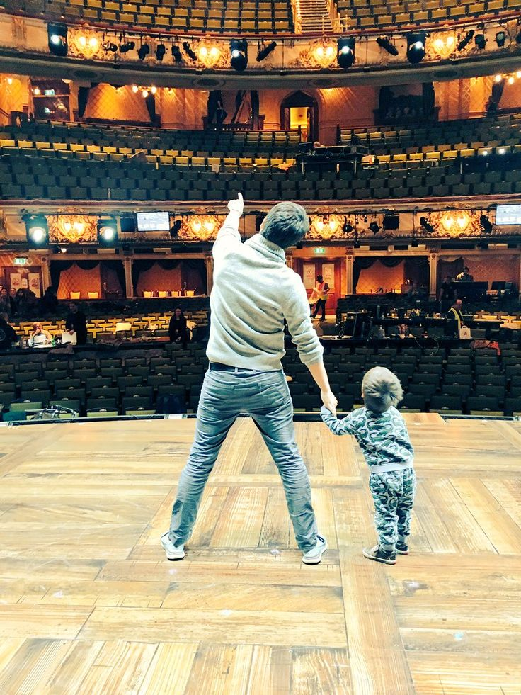 """Lin Manuel-Miranda on Twitter: """"Last minute checks before first preview of #HamiltonLDN tonight."""" Take your son to work day..? Look at little Sebastian"""