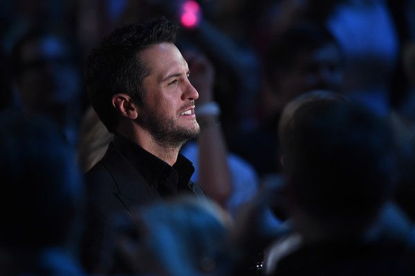 Luke Bryan Photos Photos - Host Luke Bryan attends the 50th Academy Of Country Music Awards at AT&T Stadium on April 19, 2015 in Arlington, Texas. - 50th Academy Of Country Music Awards - Show