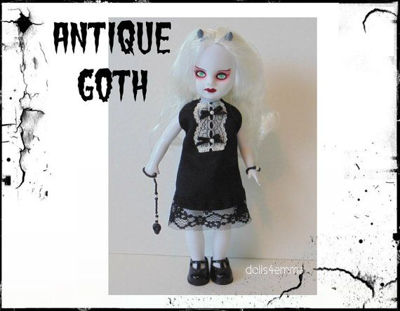 Living Dead Doll kleding - antieke Goth jurk, schedel Ornament & armband - handgemaakte Custom mode - door dolls4emma