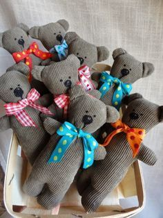 Bären aus Cordrock / Teddy bears made from old skirt / Upcycling