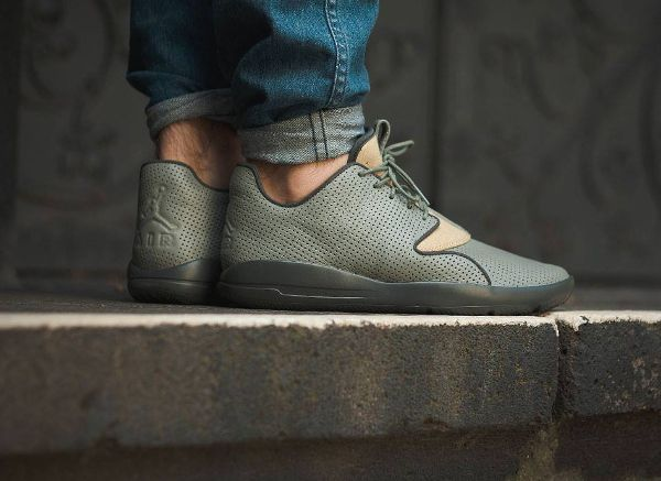 separation shoes timeless design look out for Air Jordan Eclipse Leather City Berlin pas cher | Sneakers ...