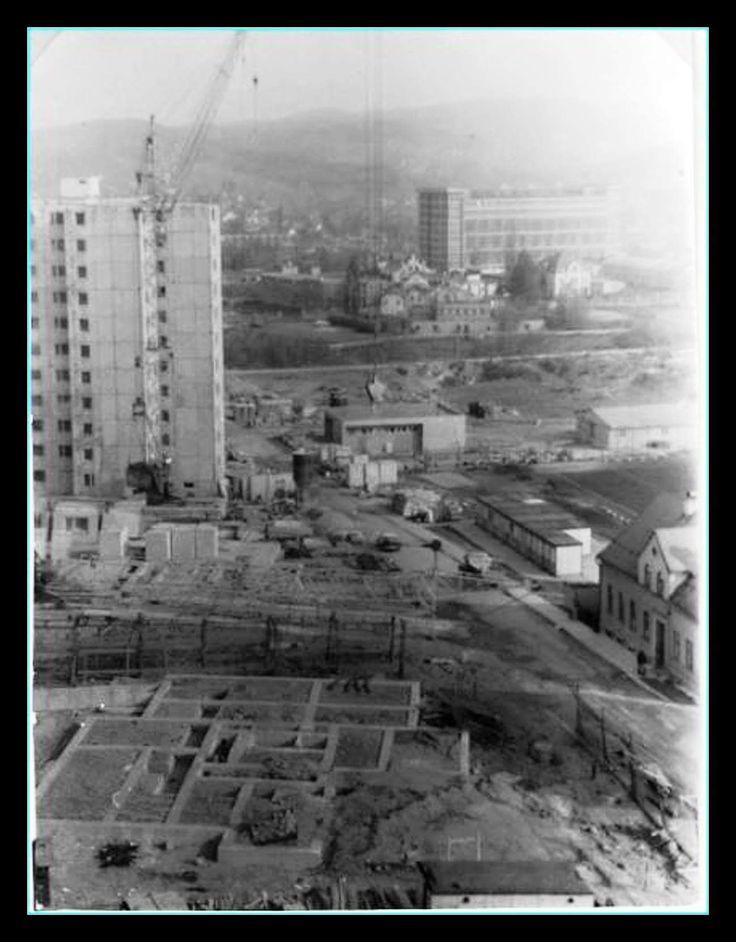 Není to přímo Mšeno, ale stavba věžáku v  Průmyslové ulici. Mšeno je v pozadí.