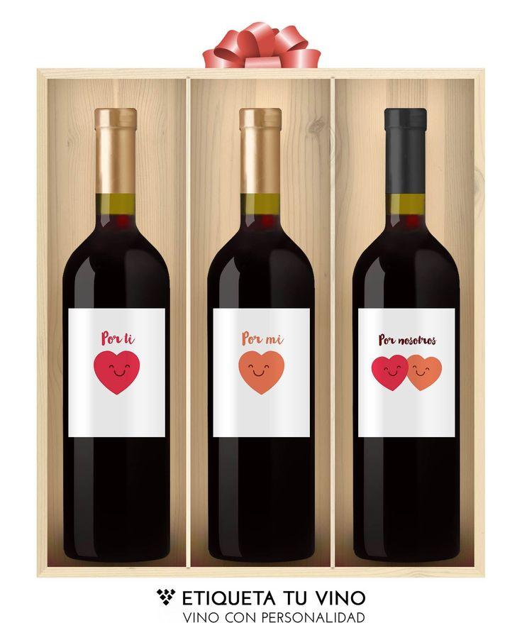 Descubre este pack fe grandes vinos de las zonas de la Rioja y la Ribera del Duero con divertidas y originales etiquetas, acompañados de una caja de madera que cierra unos vinos personalizados elaborados para brindar por todo lo bueno que esta por llegar. Brinda por vosotros con los packs más divertidos del mejor vino personalizado. Descúbrelos en nuestra web etiquetatuvino.com 🍷 #vinoconpersonalidad #grandesvinos #etiquetatuvino #regalosoriginales #vinopersonalizado #vinospersonalizados