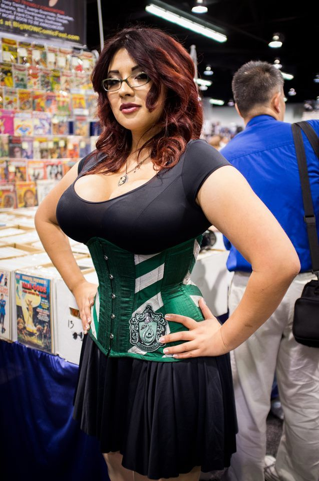 Ivy Doomkitty | Cosplay ideas | Ivy, Cosplay, Fashion