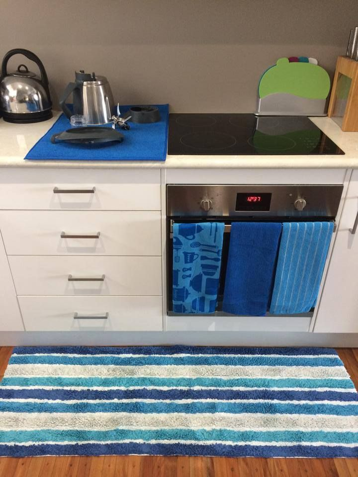 Our Linen in Your Home: Check out Cassie Stewart Lorraine Lea Linen Independent Consultant kitchen. Our new super huge dish drying mat and matching microfibre towels in the kitchen team stunning with the peacock coleman runner - great in the kitchen or bathroom