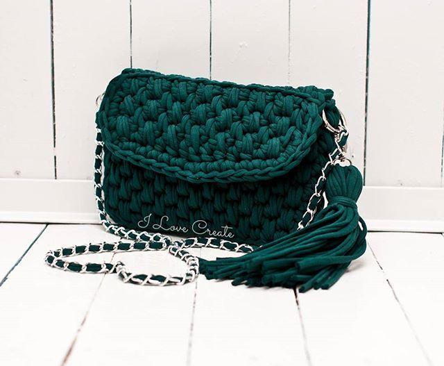 WEBSTA @ i_love_create - Зеленый цвет- цвет весны, зелени и обновления природы 🌲🌳🌱сумочка темно-зеленого цвета очень неприхотлива в уходе☝она идеально сочетается с более светлыми элементами гардероба👇ФисташковыйНасыщенный мятныйМентолКроссбоди доступна к заказу, размер 28*18 см, состав хлопок 100%, подкладка креп-сатинЦена 800 грнDirect, Viber 📲 380992858726#handmade #i_love_create #handbag #crossbody #crochetbag #madeinukraine#сумканавесну #сумкаручнойработы #сумкакрючком…
