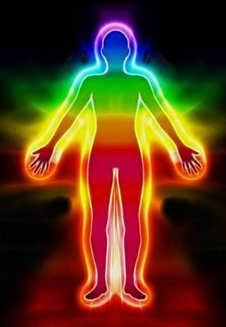 Az aura színei szerint, minél színesebb, tisztább és ragyogóbb az aurája valakinek, annál jobb és spirituálisan fejeltebb az adott ember.