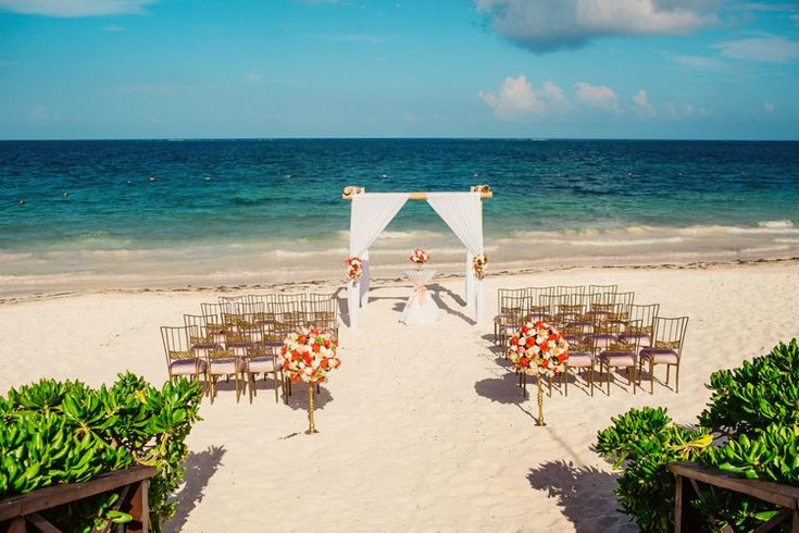 Beach destination wedding ceremony at Now Sapphire Riviera Cancun   Mexico wedding locations and venues (Jonathan Cossu Photographer)