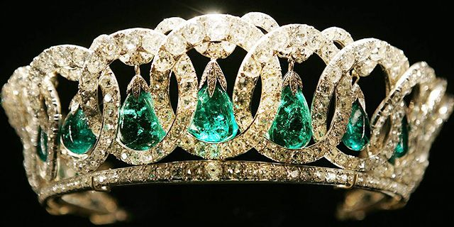 Grand Duchess Vladimir tiara, named after the aunt of Tsar Nicholas II. Currently in the possession of Queen Elizabeth II