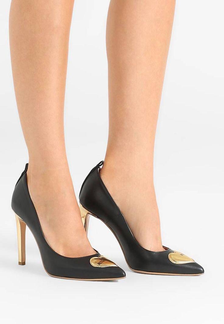 Love Moschino. Zapatos altos - gold. Suela:fibra sintética. Forma del tacón:de aguja. Plantilla:cuero. Puntera:afilada. Material interior:piel. Grosor del relleno:relleno contra el frío. Altura del tacón:10 cm (talla 37). Cierre:sin c...