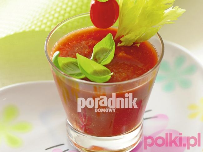 Koktajl pomidorowy z selerem naciowym !   Tego potrzebujesz:      40 dag pomidorów      2 łodygi selera naciowego   gałązka świeżej bazylii   400 ml wody mineralnej      sól