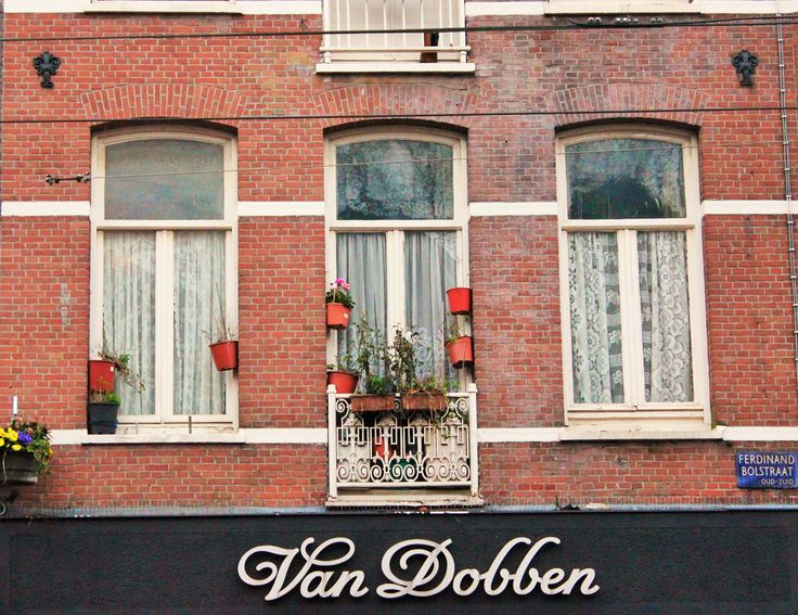 996px-Amsterdam_windows.png (996×768)