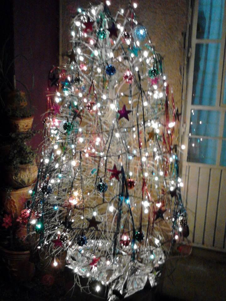 Best 25 arbol seco ideas on pinterest decoraci n de - Fotos de arboles de navidad decorados ...