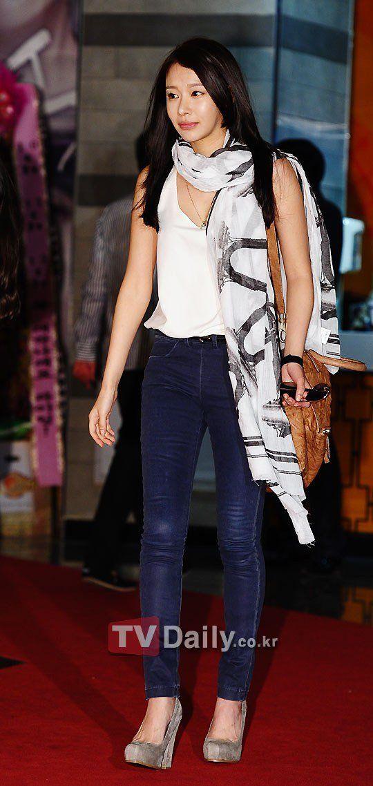 Kim Ah-joong (김아중)