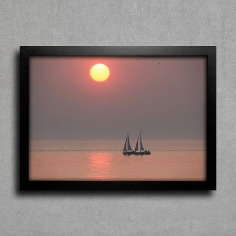 Barco no Mar ao Pôr-do-Sol