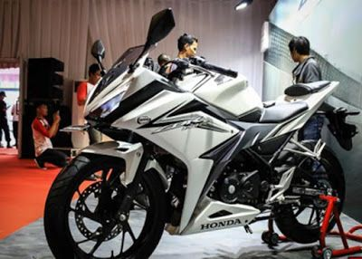 Honda CBR150R 2016 Putih 4