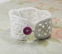 Granny Square Bracelet (or coffee cup cozy)