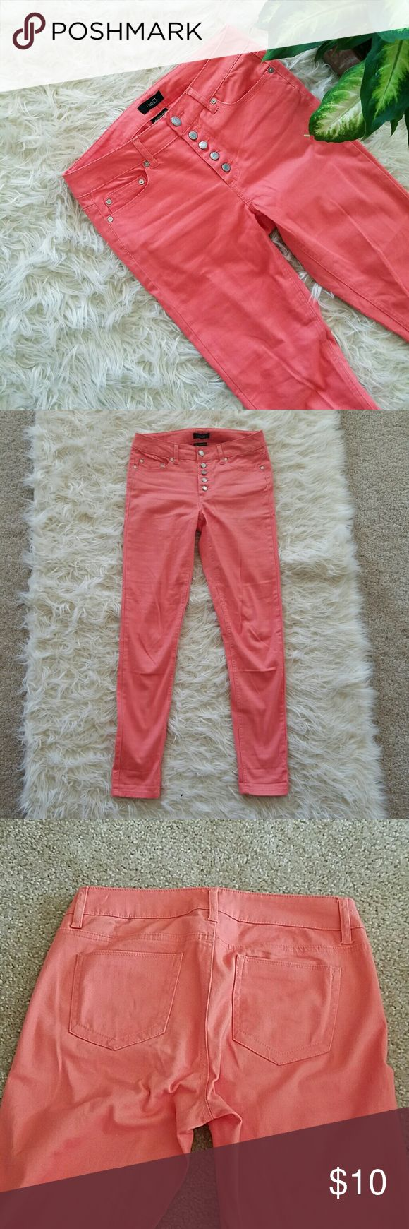 "High waist jeggins Forever 21, Skinny, coral, high waist jeggins. Worn only once. 98% cotton and 2% spandex  Measures: Waist 15.5"" flat Hips 18"" flat  Calf 6.5"" flat Ankle 5"" flat Length 40"" Forever 21 Pants Skinny"