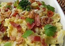 Česnekové těstoviny s vejci a slaninou
