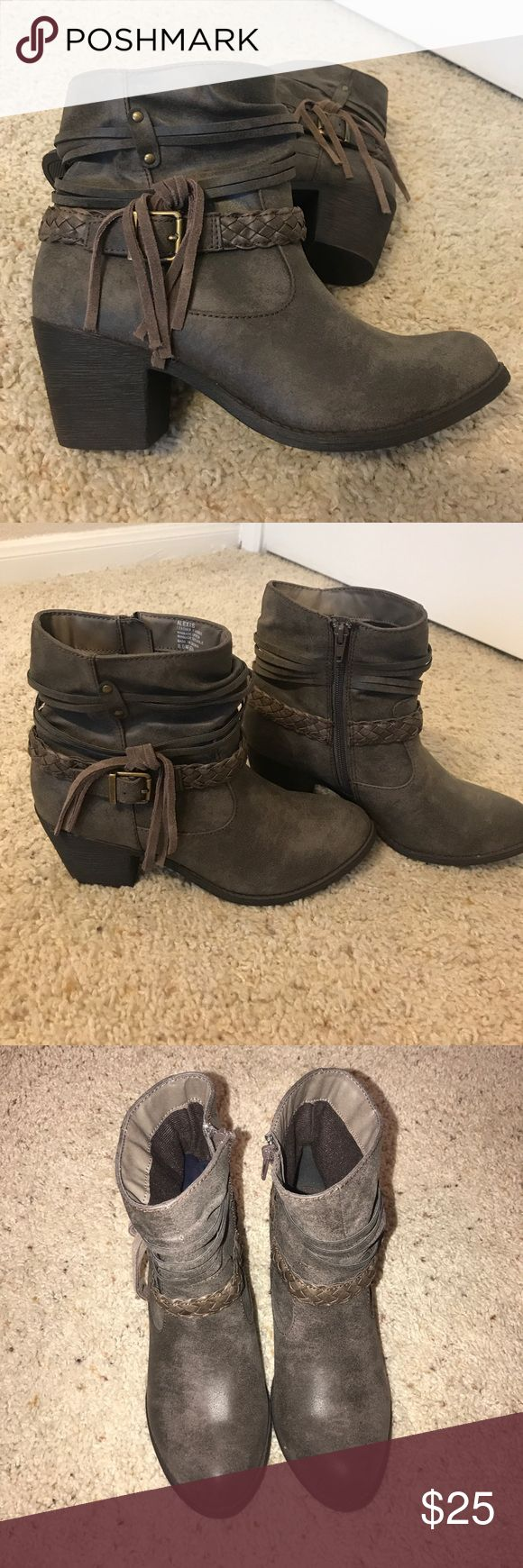 Brown/grey booties Leather fringe size 8.5 material: leather Alexis Shoes Ankle Boots & Booties