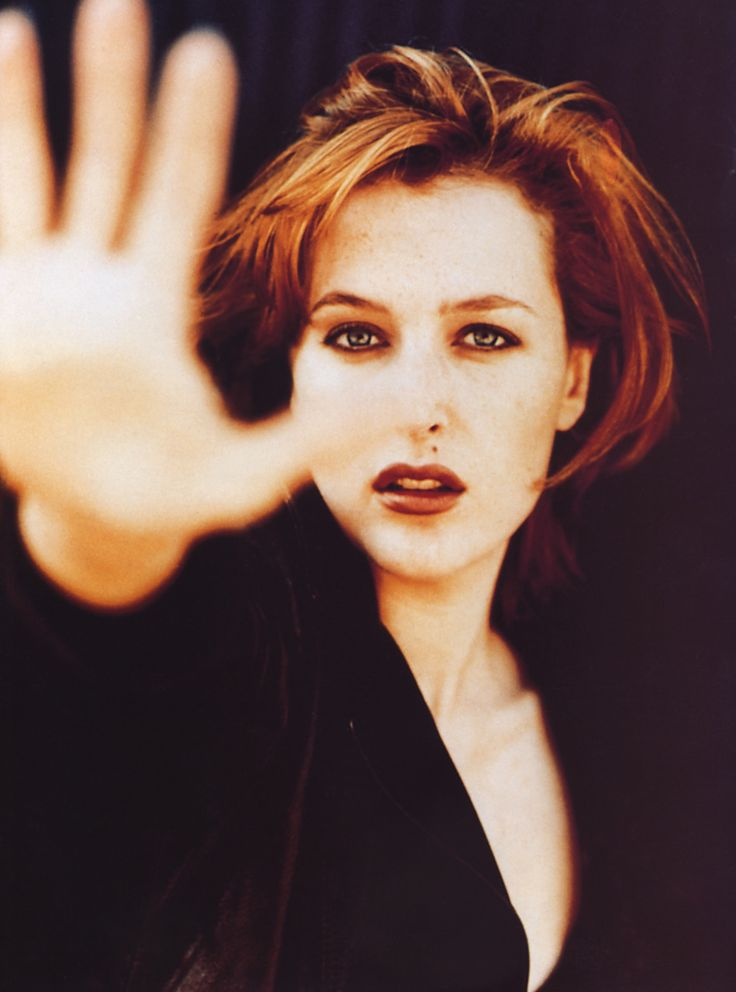 Gillian Anderson, one of my favorite actresses.