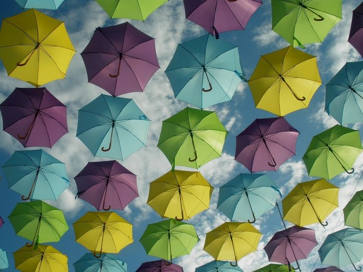 Participa hasta el 31 de agosto en el XI Concurso de Fotografía El Foton elfoton.com #elfoton15 categoría #Instagram Usuario: MCPG (ESPAÑA) - LLUVIA DE COLORES - Tomada en LA ROCA VILLAGE el 22/08/2015 #photos #travel #viajes #igers #500px #Picoftheday #Fotos #mytravelgram #tourism #photooftheday #fotodeldia #instatravel #contest #concurso #instapic #instaphotomatix #wanderlust #igaddict #ESPAÑA #LLUVIADECOLORES #LAROCAVILLAGE #paraguas #umbrella