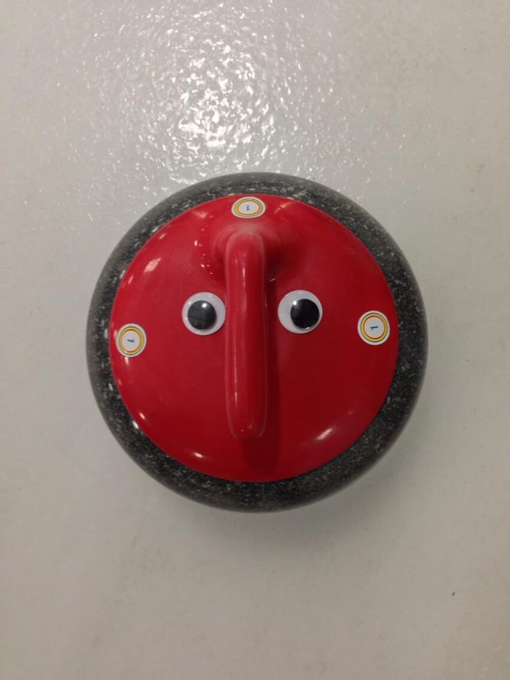 Twitter / AnneWheaton: No #curling game is complete without #VandalEyes!