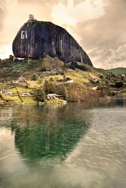 Piedra del peñol, Antioquia Colombia